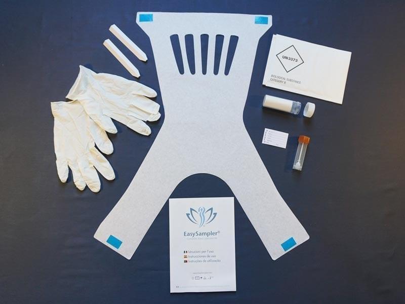 Complete Kit EasySampler contiene: Cucharas de papel, Guantes desechables, Tubos de muestra, Tubos de correo con cubierta absorbente, Etiqueta de información del paciente, Sobre de envío UN3373 aprobado, Manual de instrucciones