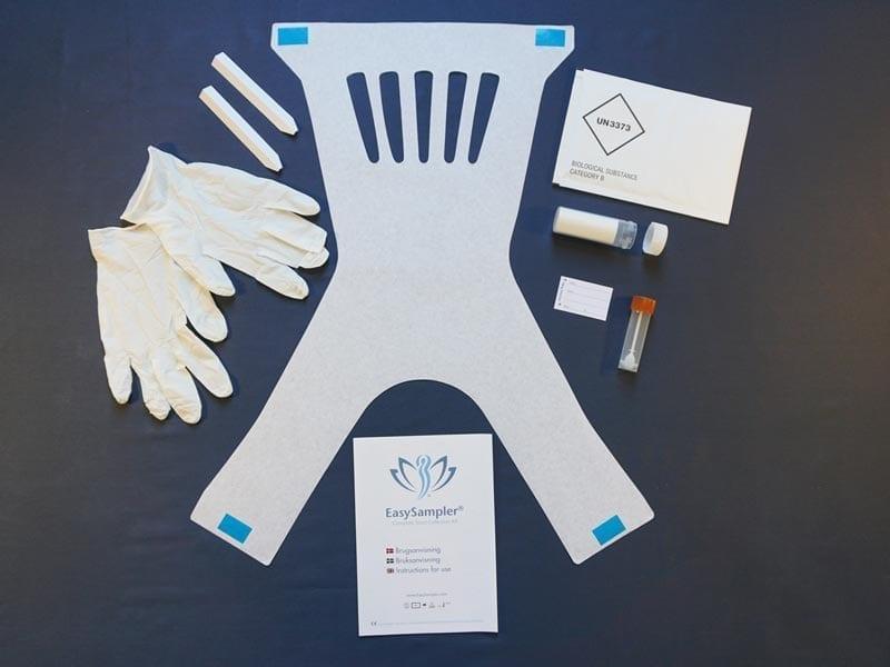 komplet kit til opsamling af afføring. Indeholder remedier til opsamling samt en udførlig guide med piktogram